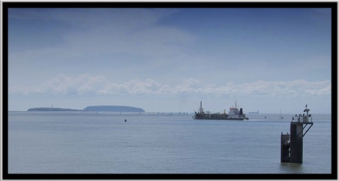 The view from the barrage across the Severn Estuary towards Flat. Holm and Steep Holm. I'll let you work out which one is which. But there are no prizes for getting it right.