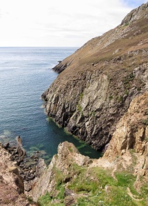 Porth Felen, a small inlet with steep cliffs.