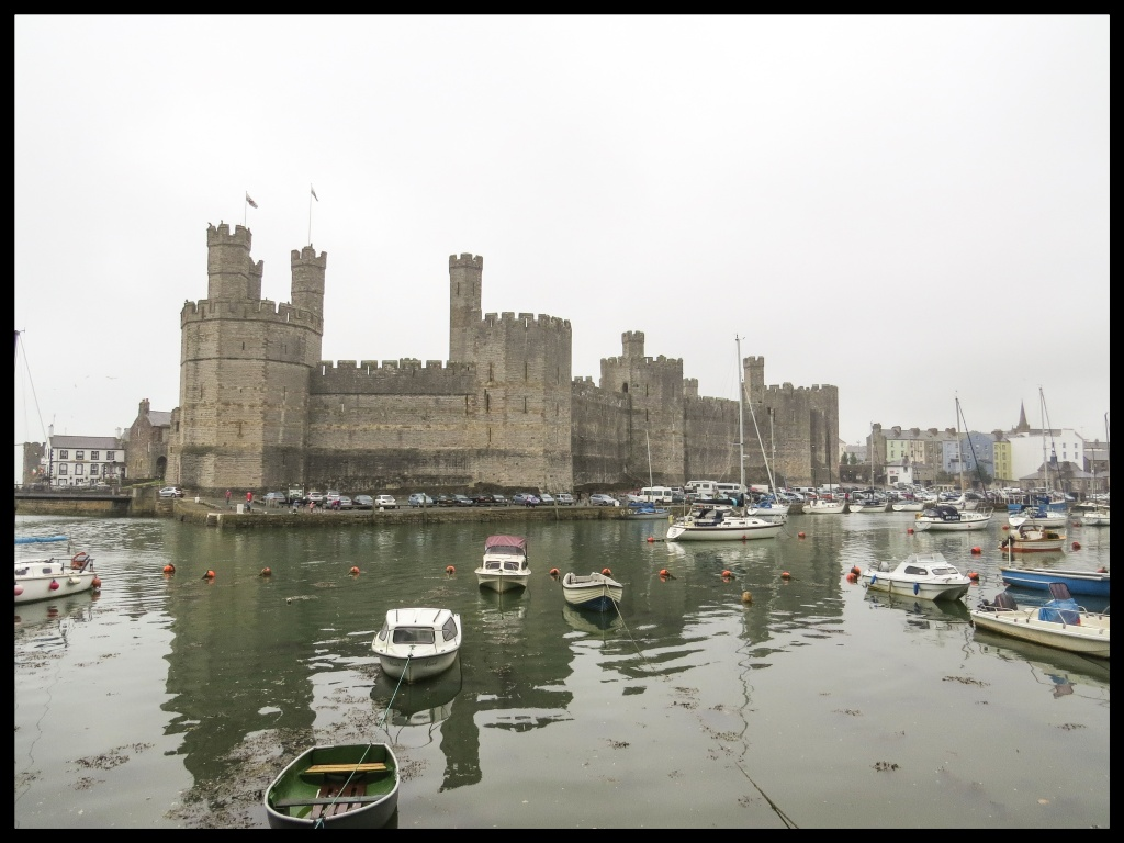 Still raining and looking increasingly grey, but the walls are still impressive.