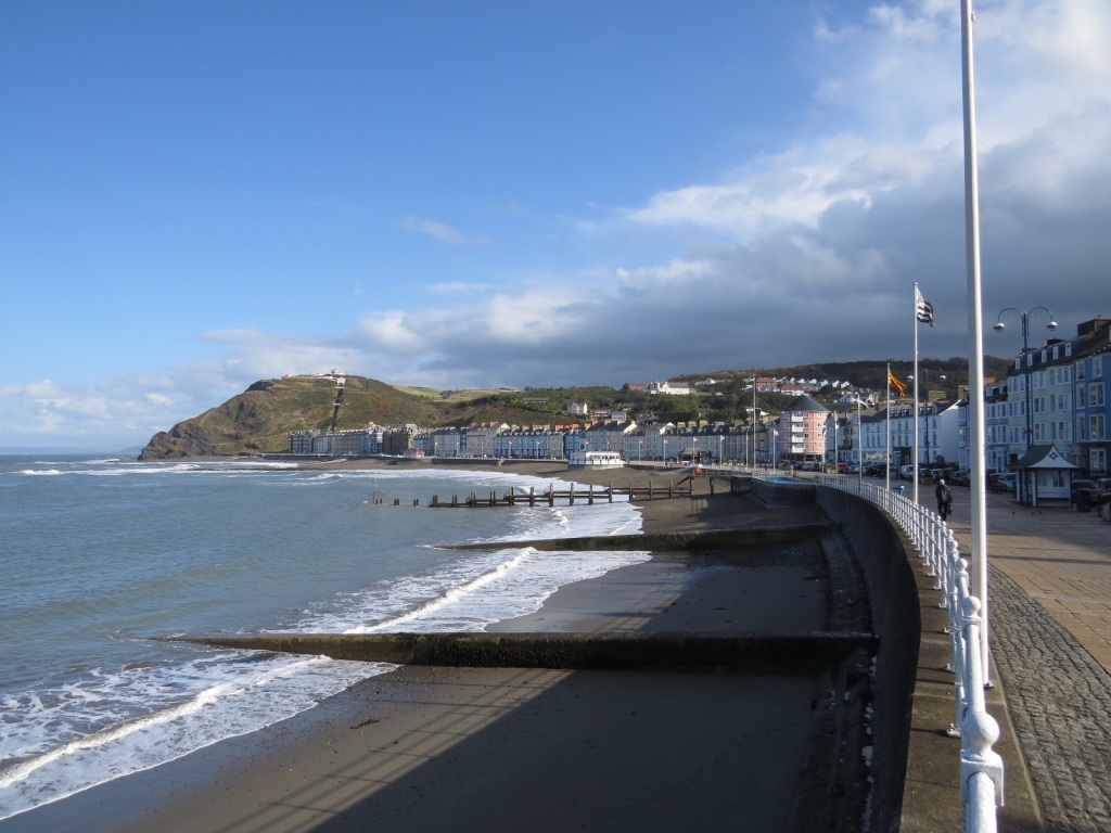 Looking north along the promenade towards the end of the walk where we are about to kick the bar.