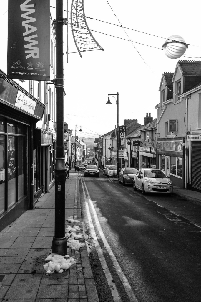 The main high street is steep and narrow. There was still snow on the ground in places. This only seemed to emphasis the empty feeling of the town, the shops were closed even though it was still only 2 o'clock in the afternoon.