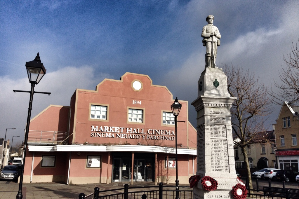 Brynmawr Cinema with the War Memorial in the Market Sqaure.